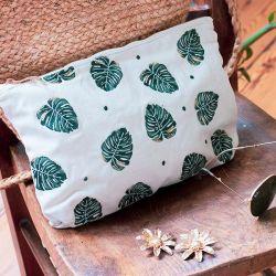 elizabeth scarlett palm pouch